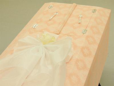 布張棺ピンク